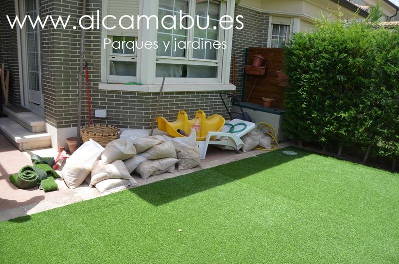 Alcamab s l parques y jardines en valladolid c sped - Fotos de cesped artificial ...